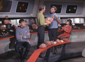 tos_2x13_thetroublewithtribbles0309-trekpulse